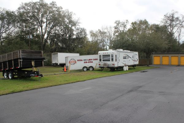 1501 Capital Circle Nw Tallahassee, FL 32303 - Car/Boat/RV Storage