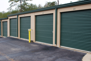 103 Woodlawn Dr Perry, GA 31069 - Drive-up Units|Driving Aisle