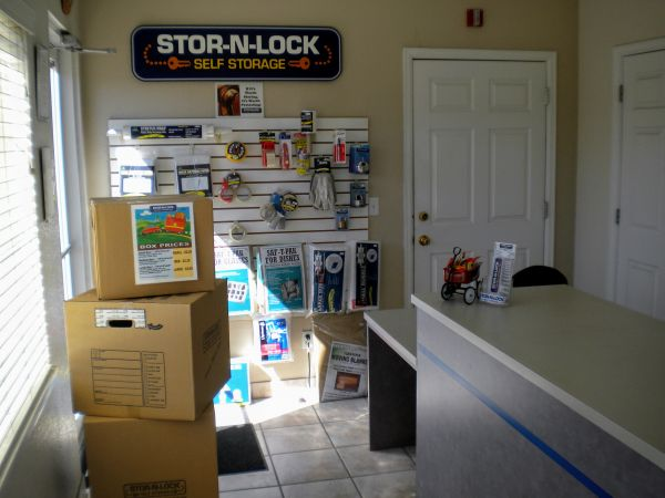 STOR N LOCK Self Storage   Thornton   Northglenn   12298 Pennsylvania Street