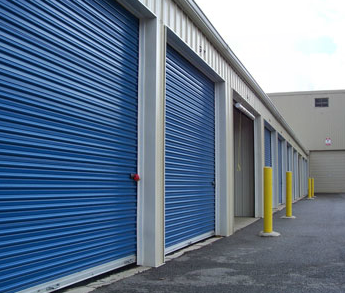 3815 Clark Avenue Cleveland, OH 44109 - Drive-up Units|Driving Aisle