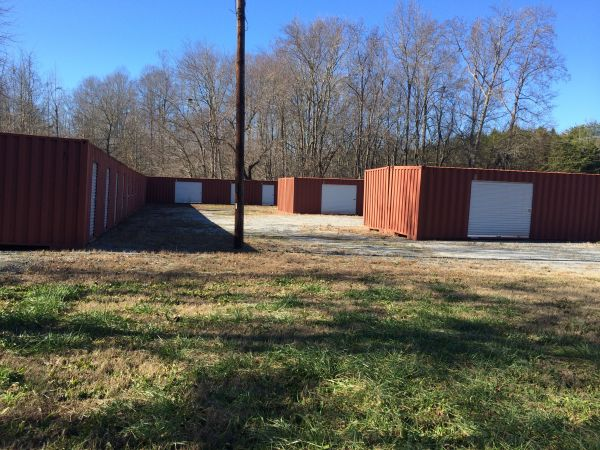 2750 Greenville Hwy Liberty, SC 29657 - Drive-up Units