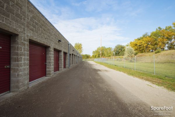 4800 Rolling Hills Rd Medina, MN 55340 - Drive-up Units|Driving Aisle