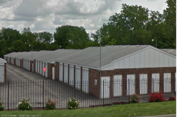 405 N Woodbine Rd St Joseph, MO 64506 - Drive-up Units|Driving Aisle