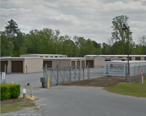 2020 B Stokes Road Greenville, NC 27858 - Security Gate|Drive-up Units|Driving Aisle