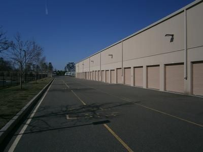 1341 Route 37 West Toms River, NJ 08755 - Drive-up Units|Driving Aisle