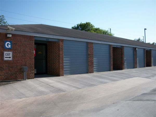 1130 Austin Highway San Antonio, TX 78209 - Drive-up Units