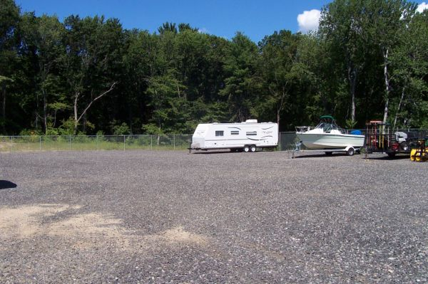95 Industrial Rd Cumberland, RI 02864 - Car/Boat/RV Storage|Driving Aisle