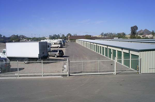 6400 South Commerce Court Tucson, AZ 85746 - Security Gate|Drive-up Units|Driving Aisle