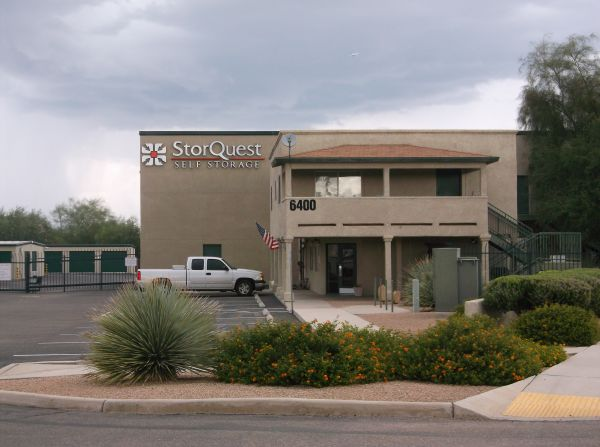 6400 South Commerce Court Tucson, AZ 85746 -