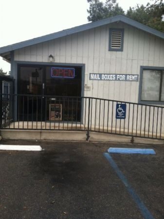 201 4th Street Bakersfield, CA 93304 - Storefront