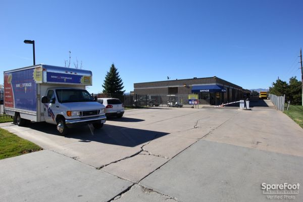 1400 E County Line Rd Highlands Ranch, CO 80126 - Moving Truck|Storefront