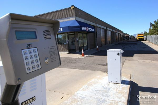 1400 E County Line Rd Highlands Ranch, CO 80126 - Security Keypad|Drive-up Units|Driving Aisle