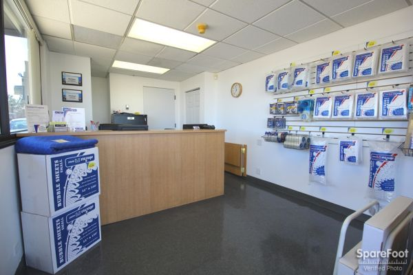 1400 E County Line Rd Highlands Ranch, CO 80126 - Moving/Shipping Supplies|Front Office Interior