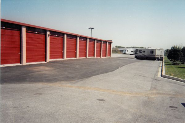9425 Snowden River Pkwy Columbia, MD 21046 - Car/Boat/RV Storage|Drive-up Units|Driving Aisle