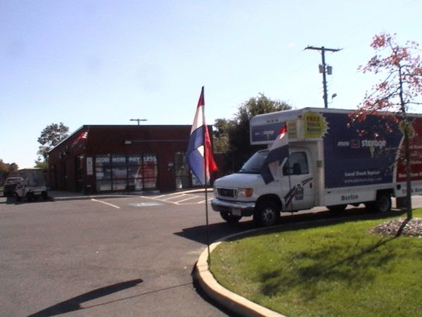 565 North Route 73 Berlin Township, NJ 08091 - Moving Truck