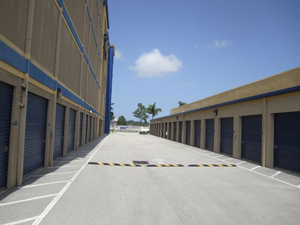 16200 Southwest 137th Avenue Miami, FL 33177 - Driving Aisle