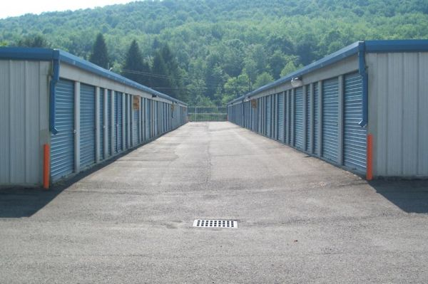 1640 Route 26 North Endicott, NY 13760 - Drive-up Units|Driving Aisle
