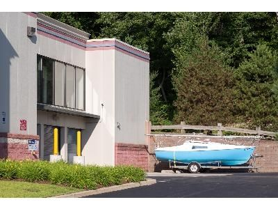 700 Mountain Road Bristol, CT 06010 - Storefront|Car/Boat/RV Storage