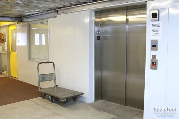 17 Terry Ave Burlington, MA 01803 - Elevator