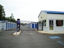 2420 Ridgeway Boulevard Manchester Township, NJ 08759 - Security Gate|Drive-up Units|Driving Aisle