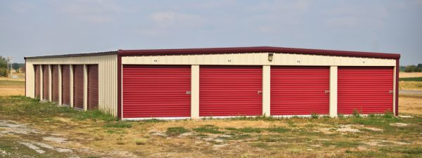 265 Enterprise Drive Girard, KS 66743 - Drive-up Units