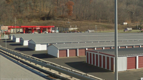 4400 Broadway Boulevard Monroeville, PA 15146 - Drive-up Units|Driving Aisle