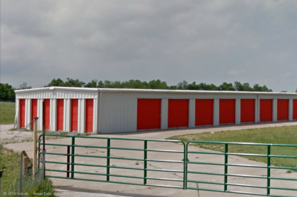7579 N Farm Road 137 Springfield, MO 65803 - Security Gate|Drive-up Units|Driving Aisle