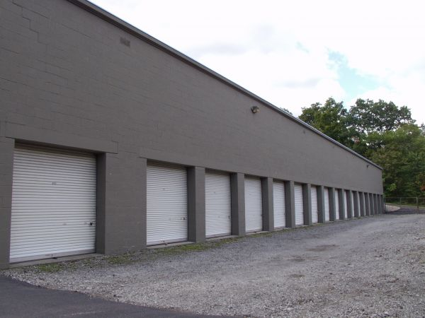 1909 Babcock Boulevard Pittsburgh, PA 15209 - Drive-up Units|Driving Aisle