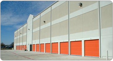 3204 14th Street Plano, TX 75074 - Drive-up Units|Driving Aisle