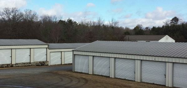 980 Beaverdam Rd Williamston, SC 29697 - Drive-up Units|Driving Aisle
