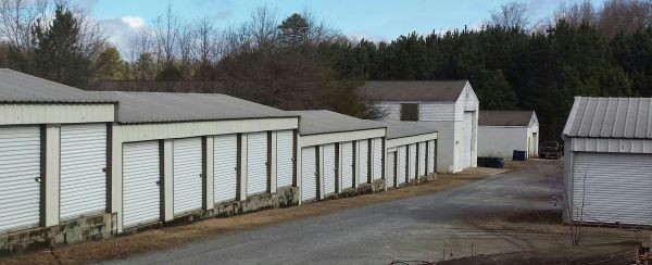 980 Beaverdam Rd Williamston, SC 29697 - Drive-up Units