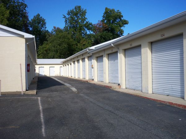 22340 Three Notch Road Lexington Park, MD 20653 - Drive-up Units