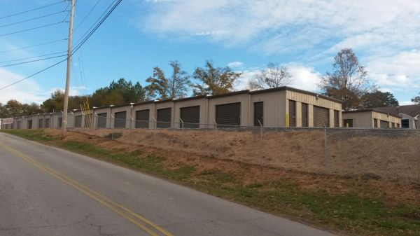 319 Linwood Drive Gainesville, GA 30501 - Road Frontage|Drive-up Units