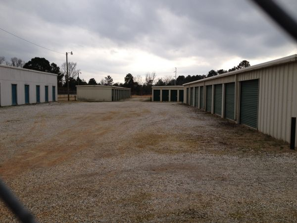 3536 Highway 69 Columbus, MS 39702 - Drive-up Units