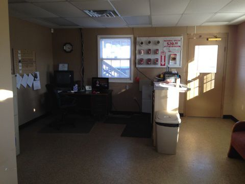 602 S Missouri St Jackson, TN 38301 - Front Office Interior