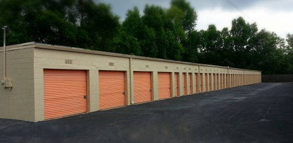 1980 Delta Drive Gainesville, GA 30501 - Drive-up Units|Driving Aisle