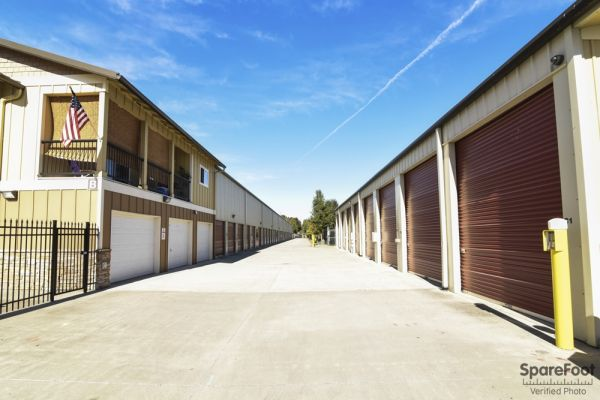 12406 Southeast 5th Street Vancouver, WA 98683 - Drive-up Units|Driving Aisle