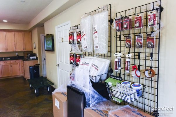 12406 Southeast 5th Street Vancouver, WA 98683 - Moving/Shipping Supplies