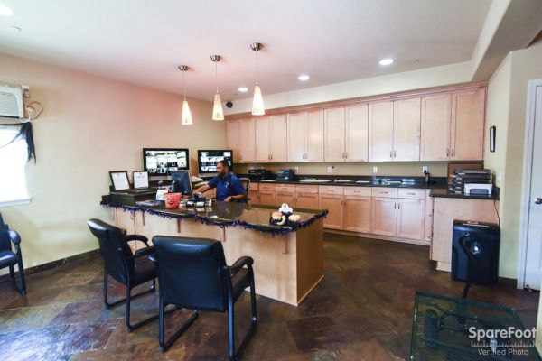 12406 Southeast 5th Street Vancouver, WA 98683 - Front Office Interior
