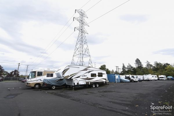 4050 Southwest 160th Avenue Beaverton, OR 97007 - Car/Boat/RV Storage