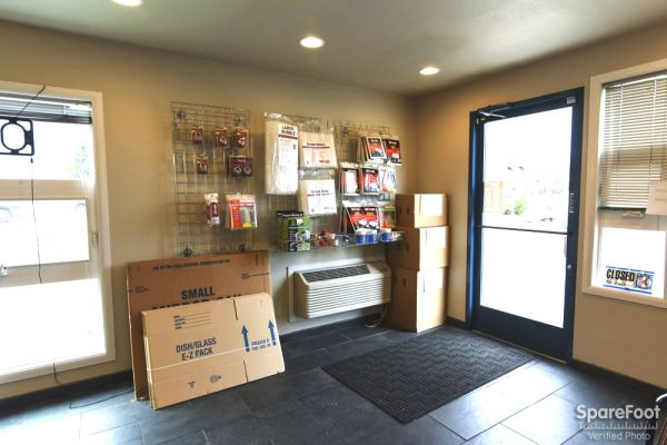 4050 Southwest 160th Avenue Beaverton, OR 97007 - Moving/Shipping Supplies