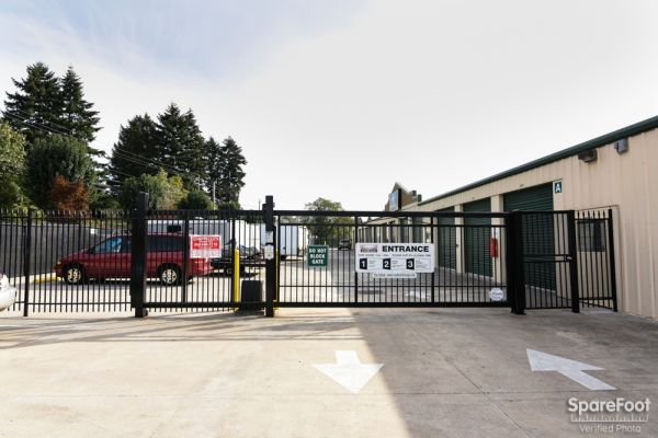 2225 East 5th Street Vancouver, WA 98661 - Security Gate