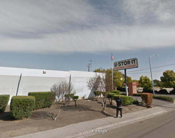 6800 West Lane Stockton, CA 95210 - Storefront|Company Logo|Staff Member
