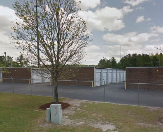 3275 Landmark Street Greenville, NC 27834 - Drive-up Units|Driving Aisle