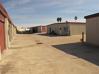 4602 Everhart Road Corpus Christi, TX 78411 - Drive-up Units|Driving Aisle