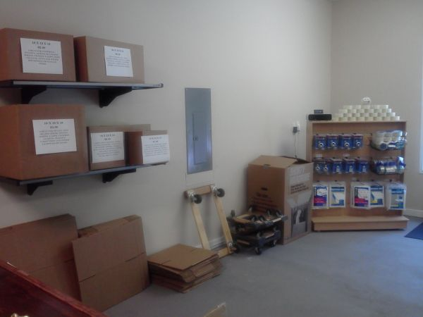 195 Davidson Highway Concord, NC 28027 - Moving/Shipping Supplies