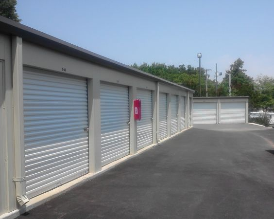 195 Davidson Highway Concord, NC 28027 - Drive-up Units|Driving Aisle