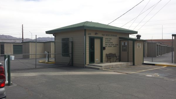 120 Rio West El Paso, TX 79932 - Security Gate