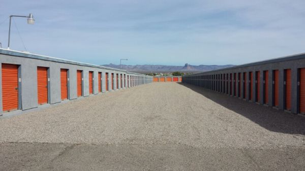 5630 South Highway 95 Fort Mohave, AZ 86426 - Drive-up Units|Driving Aisle