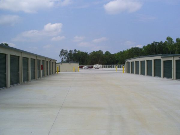 1350 West Hundred Road Chester, VA 23836 - Drive-up Units